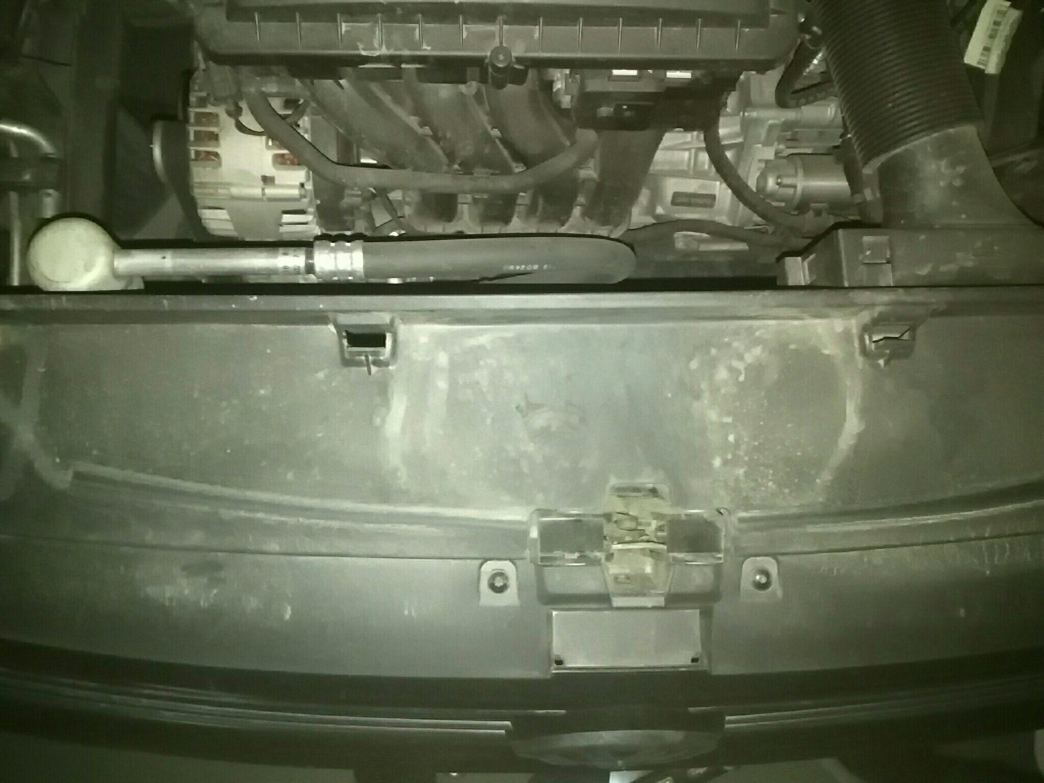 宁波二手大众朗逸 > 大众朗逸 2017  车头轻微的碰撞会导致水箱框架