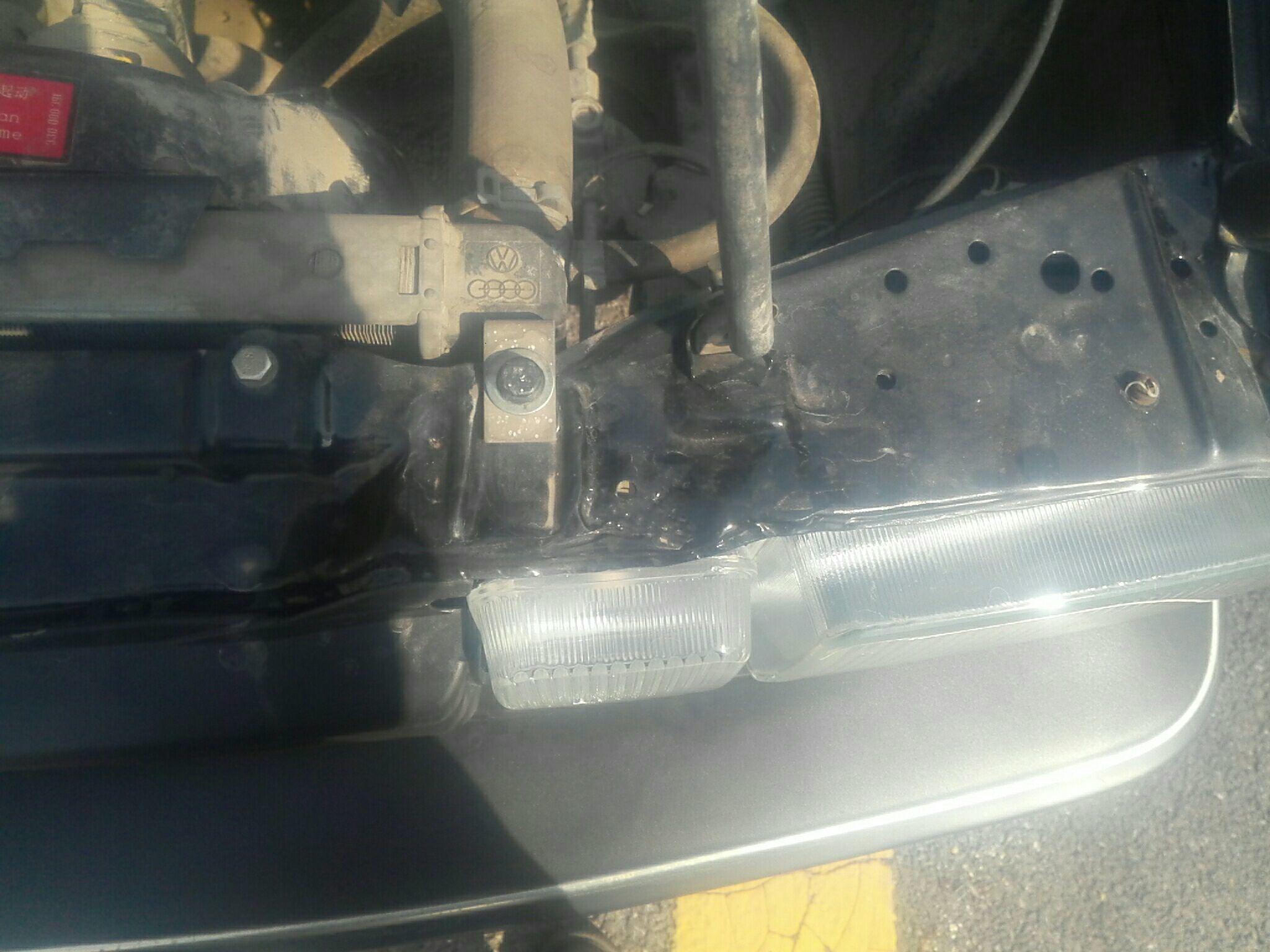 锦州二手大众桑塔纳经典 > 大众桑塔纳经  车头轻微的碰撞会导致水箱