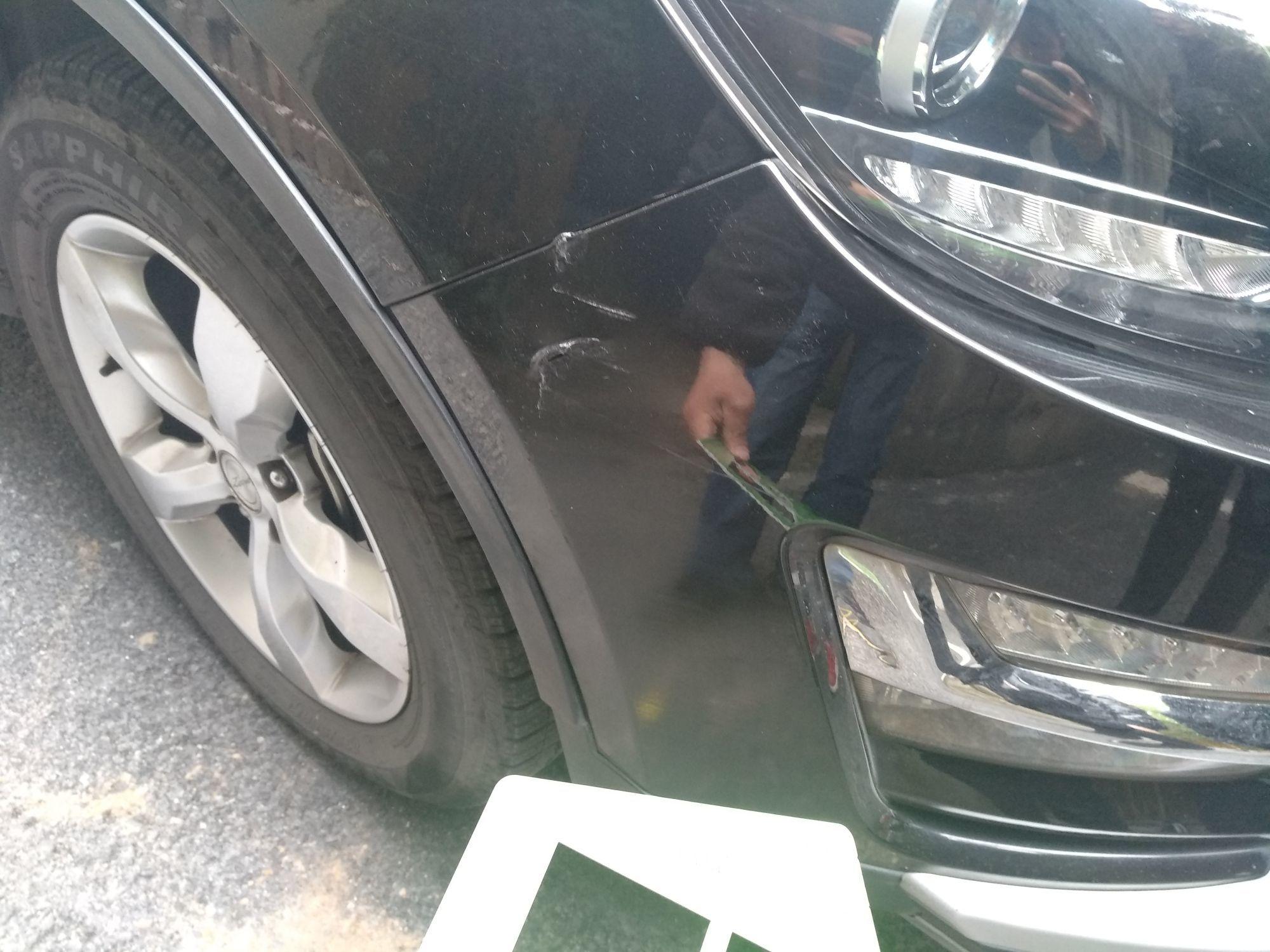 车保险杠蹭掉漆怎么办   车密探