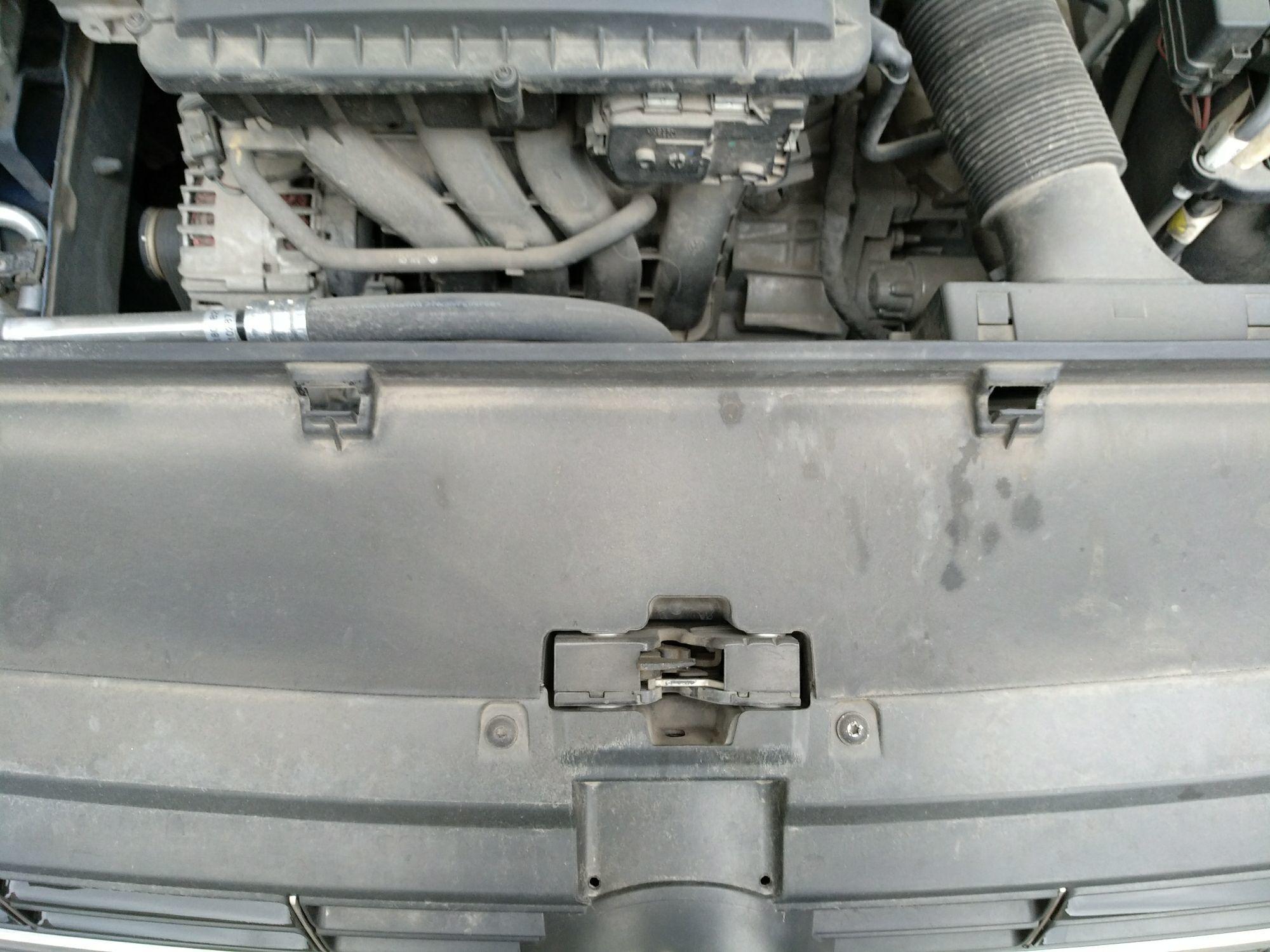 南京二手大众朗逸 > 大众朗逸 2013  车头轻微的碰撞会导致水箱框架变