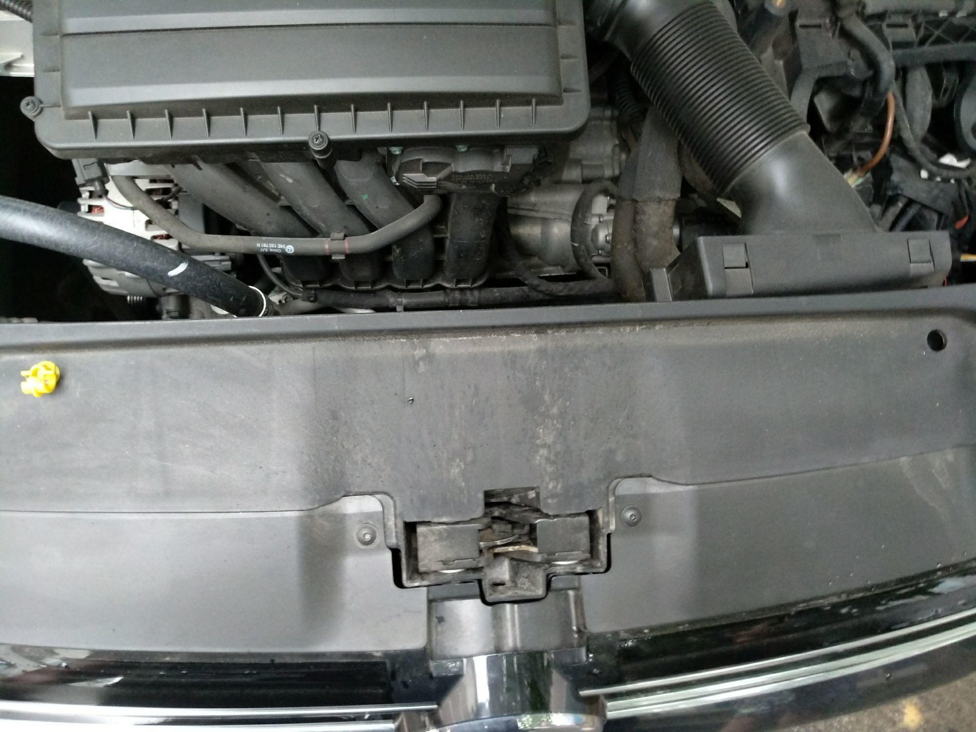 苏州二手大众速腾 > 大众速腾 2015  车头轻微的碰撞会导致水箱框架变