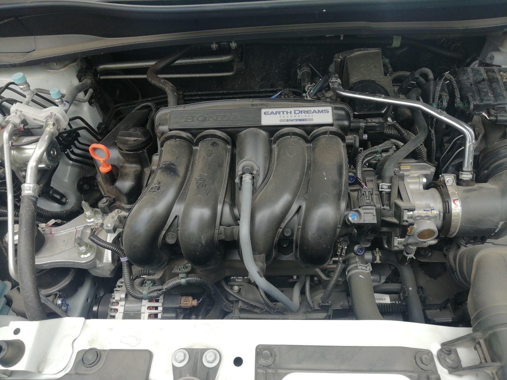 正常 8 vin号 正常 9 正时罩(链条) 正常 10 发动机总成 正常 11 电瓶