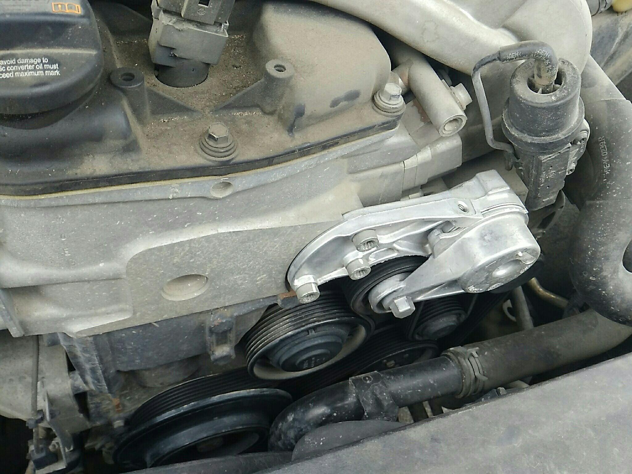 检查项 结果 1 气门室盖垫 拆卸 2 发动机缸垫 正常 3 发动机外围皮带